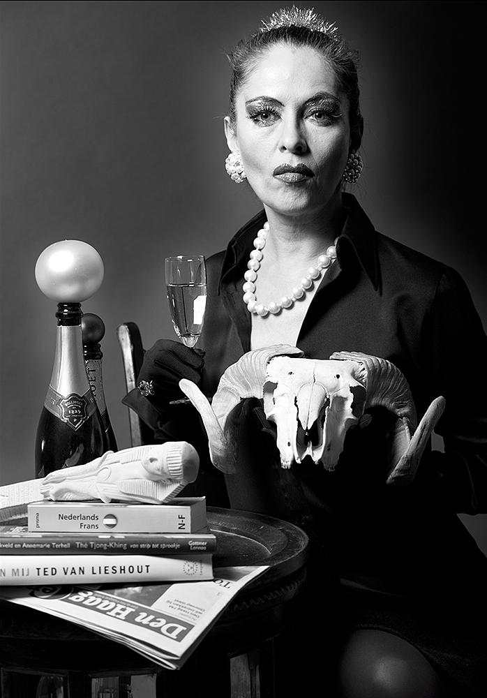 Als Frau M - zelfportret ©Mylene Siegers