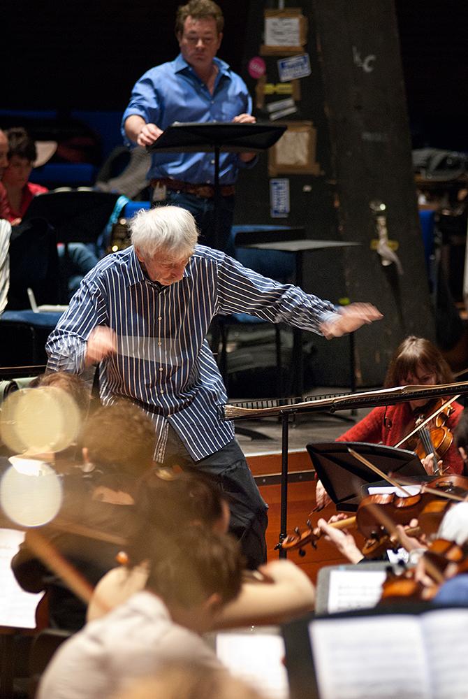 Reinbert de Leeuw, dirigent ©Mylène Siegers