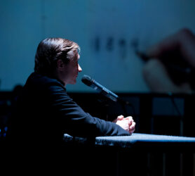 Scene uit de opera Less truth more telling ©Mylène Siegers